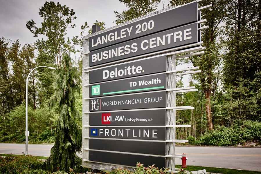 Langley 200 sign